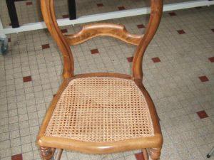 rafraichissement du cannage de chaise par la literie toullec