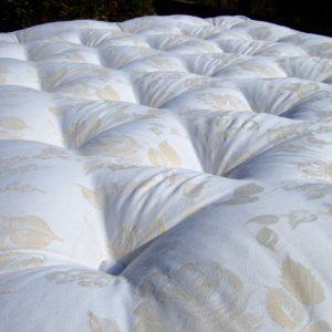 Matenas de laine 100% naturelle fabriqué en Bretagne, dans le Finistère, par la Literie Toullec